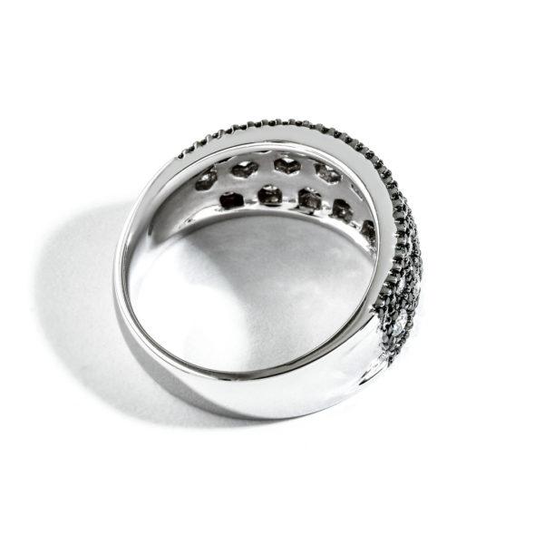 Pave Diamond Right Hand Ring DLRXX01725