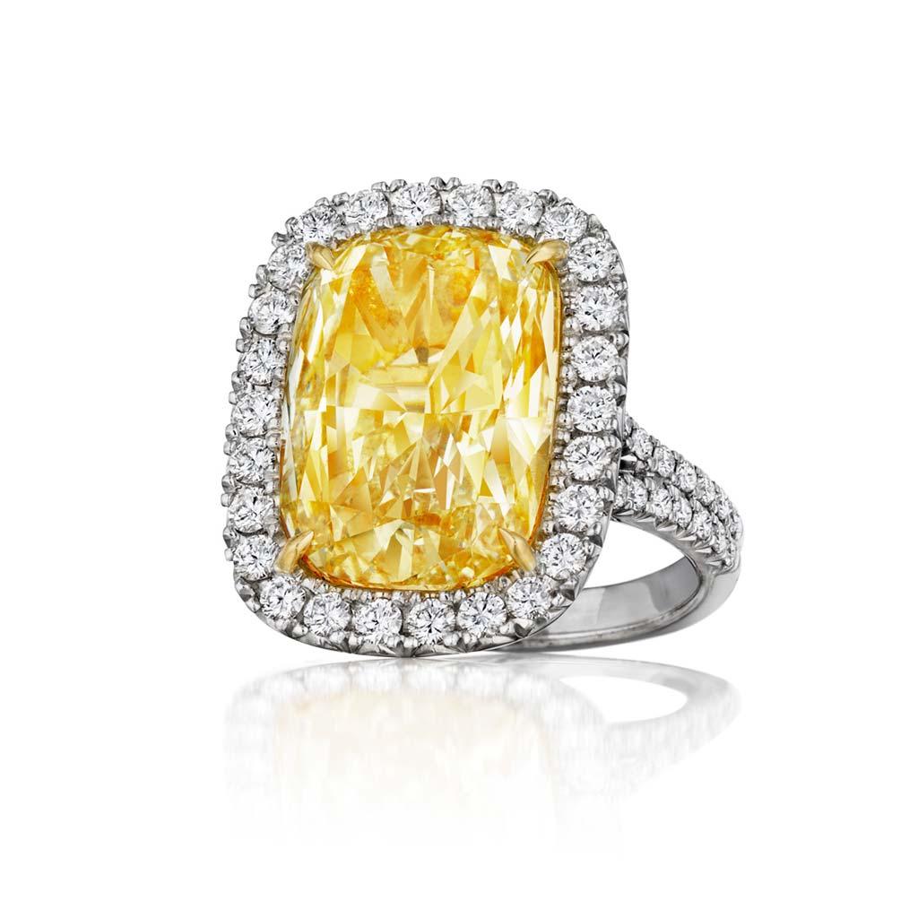 Henri Daussi 18k White Gold Yellow Diamond Engagement Ring AMDSY